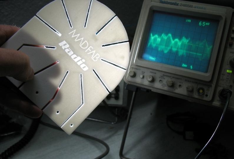 http://madfab.es/wp-content/uploads/2012/12/MADfab-Radio.jpg